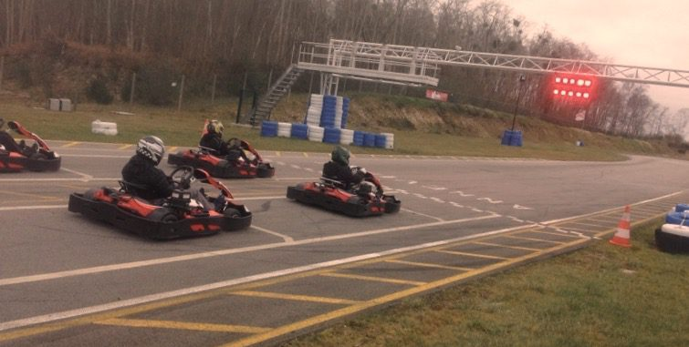 slide feu vert feu rouge karting rouen le plus beau circuit de la r gion anneville ambourville. Black Bedroom Furniture Sets. Home Design Ideas